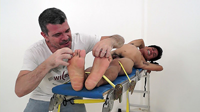 Feet Tickling: Mike And Argie