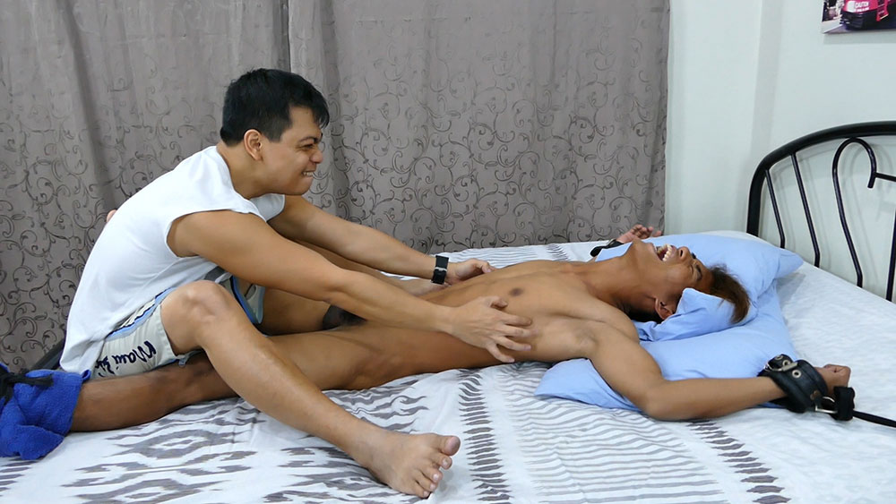 Armpit tickling for Asian boy